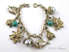 Vintage Sea Side Ocean Themed Gold Tone CHARM BRACELET Clam Shell Fish Coral