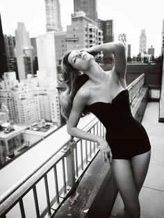 Mario Testino shoots Gisele Bundchen for Vanity Fair, May 2009