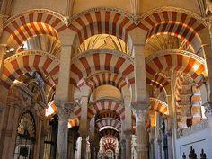 Con la Mezquita de Córdoba inicio un listado de los 10 monumentos musulmanes más importantes de España.
