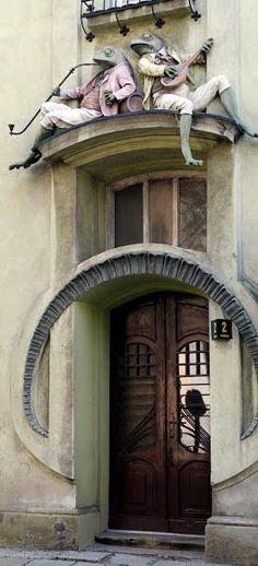 Art Nouveau - Maison 'aux Grenouilles - Bielsko Biała - Pologne Frog and Toad!