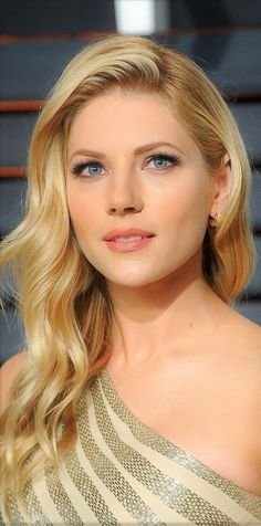 Beautiful Katheryn Winnick aka Lagertha from Vikings Beautiful Celebrities, Beautiful Actresses, Gorgeous Women, Actrices Sexy, Blonde Curls, Blonde Beauty, Beautiful Eyes, Pretty Face, Pretty Woman