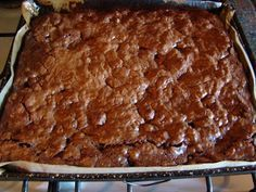 COCINA EN CASA: BROWNIE CON NUECES. Receta Osvaldo Gross Blondies, Meatloaf, Banana Bread, Pie, Chocolate, Desserts, Recipes, Food, Anna Olson