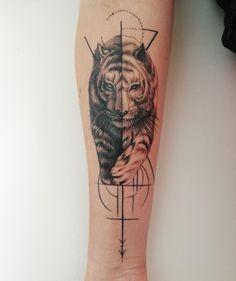 Second piece. By Sloth @ All Day Tattoo BKK, Bangkok, Thailand. Tiger Tattoo Small, Mens Tiger Tattoo, Tiger Tattoo Sleeve, Nature Tattoo Sleeve, Tiger Tattoo Design, Tattoo Sleeve Designs, Sleeve Tattoos, Black Ink Tattoos, Rose Tattoos
