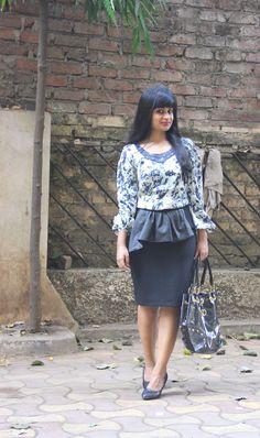 PENCIL IT! #highstreet #style #fashion #blog #india #stylist #mumbai #OOTD #WhatIWore #pencilskirt #ZARA #tunic #blouse #kurta #seethroughbag #glittermeshpumps #black #barticprint
