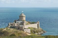 Le Fort-la-Latte, face au cap Fréhel, l'un des fleurons de la côte de Penthièvre.