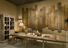 It is not surprising for us that pallet wood can be used for wall decoration. Yes, now you can make DIY pallet wall decoration pieces which are very simple pallet wall art and give a fascinating look at your home. So now you can add creativity to you Pallet Wall Art, Pallet Walls, Pallet Furniture, Wood Walls, Diy Home Decor, Room Decor, Art Decor, Sweet Home, Diy Casa