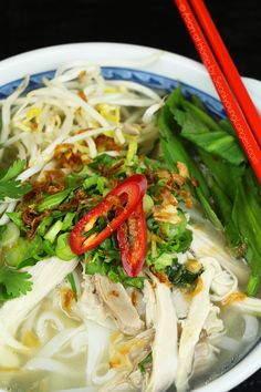 Chicken Pho Recipe and Video (Phở Gà)