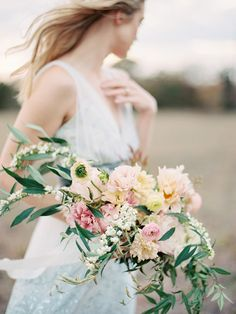 Romantic Spring Floral Inspiration | Wedding Ideas | Oncewed.com