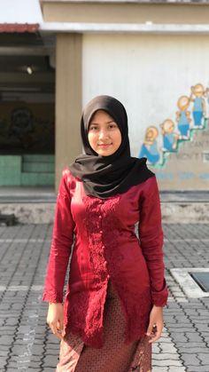 Modest Fashion Hijab, Casual Hijab Outfit, Ootd Hijab, Hijab Chic, Women's Fashion Dresses, Arab Girls Hijab, Girl Hijab, Muslim Girls, Beautiful Muslim Women