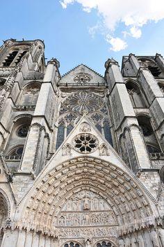bourges, week-end, berry London City, Paris City, Angkor, Palaces, Shanghai, Monuments, Vietnam, Saint Etienne, Contemporary Building
