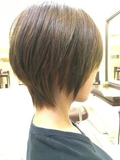 "Ergebnis der Recherche und Bilder für ""刈 刈 上 げ ボ ブ ブ 襟 ブ 足"" – diy hairstyles shorthair Short Bob Hairstyles, Diy Hairstyles, Medium Hair Styles, Short Hair Styles, Gray Hair Highlights, Modern Haircuts, Short Hair Cuts For Women, Short Curly Hair, Hair Hacks"