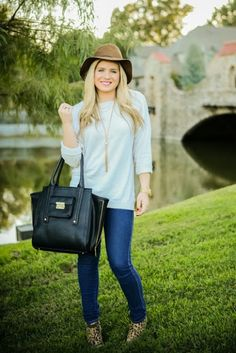 fall uniform || hat + sweater + skinny jeans + ankle boots + tote bag