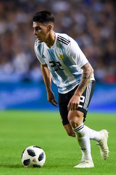 Cristian Pavon of Argentina drives the ball during an international friendly match between Argentina and Haiti at Alberto J. Armando Stadium on May 2018 in Buenos Aires, Argentina. Neymar, Lionel Messi, Argentina Football Team, Soccer Baby, Russia 2018, Haiti, Football Players, Real Madrid, Fifa