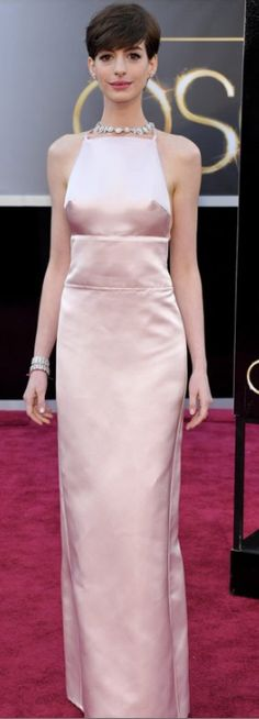 Anne Hathaway is GORGEOUS!!