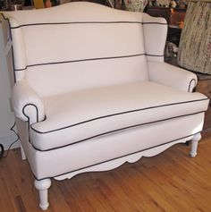 `is this a love seat ... or a bench seat..  it doesn't matter I really LIKE it.