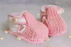 """Sapatinho de crochê para bebe - """"Crochê da Mimi"""""""