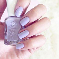 lavender nails #essie