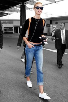 Karlie Kloss Makes A Case For Low-Waisted Jeans  #refinery29  http://www.refinery29.com/2015/05/87323/karlie-kloss-jeans-travel-outfit