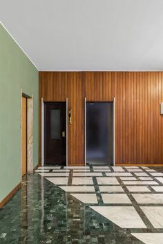 via Giovanni da Procida 6 Floor: Bianco Carrara Arni marble, serpentinite, Palladiana of serpentinite