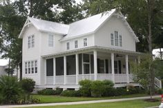 Beautiful farmhouse plan...like the downstairs master BR