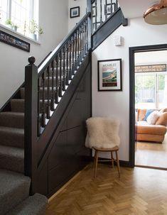 Blue Hallway, Modern Hallway, Tiled Hallway, Entrance Hall Decor, Interior Stair Railing, Neutral Bedroom Decor, Hallway Flooring, Hallway Inspiration, Hallway Designs