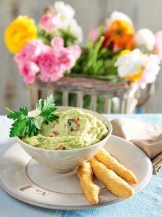 Πουρές αβοκάντο - www.olivemagazine.gr Mexican Kitchens, Guacamole, Salads, Food And Drink, Ethnic Recipes, Foods, Cleopatra, Food Food, Mexican Cuisine
