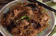 Vermicelles chinois sautés aux champignons noirs