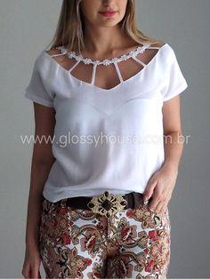 Blusa-branca-calca-estampada-1: