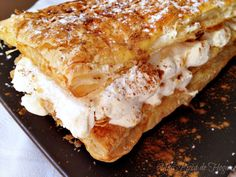 Una Pizca de Hogar: Milhojas fácil de hojaldre y nata con canela. Paso a Paso. Micro Onde, Sweet And Salty, Holiday Desserts, Cakes And More, Sweet Recipes, French Toast, Bakery, Deserts, Favorite Recipes