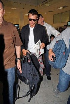 Rob arriving in Nice, France for Cannes, 5-16-14 (29)