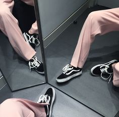 Very Cute Fall Shoes. These Shoes Will Look Good With Any Outfit. 44 Gorgeous Casual Shoes Ideas Trending This Summer – Very Cute Fall Shoes. These Shoes Will Look Good With Any Outfit. Sport Chic, Mode Style, Style Me, Mode Punk, Streetwear, Nike Wmns, Look Fashion, Womens Fashion, Fashion Trends