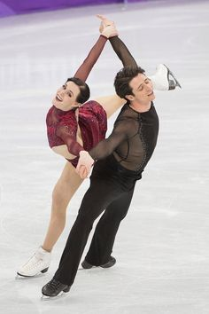 Roller Skating, Ice Skating, Figure Skating, Virtue And Moir, Tessa Virtue Scott Moir, Love On Ice, Tessa And Scott, Olympic Gold Medals, Team Events
