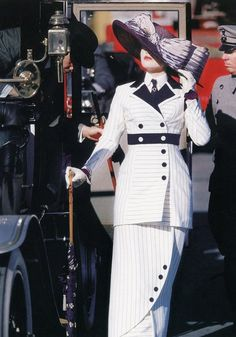 Kate Winslet as Rose DeWitt in 'Titanic', costume designed by Deborah L Scott. Hollywood Costume is on at the V and A OCTOBER Kate Winslet, Titanic Costume, Titanic Dress, Titanic Movie, Movies Costumes, Cool Costumes, Amazing Costumes, Costume Hollywood, Victorian Dresses