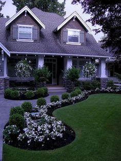 Cool 40 Fresh and Beautiful Front Yard Garden Landscaping Ideas https://livinking.com/2017/06/11/40-fresh-beautiful-front-yard-garden-landscaping-ideas/