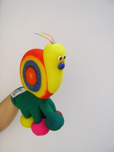 caracol guante Marionette, Metal Art Sculpture, Paper Crafts, Diy Crafts, Paper Flowers Diy, Finger Puppets, Early Childhood, Baby Toys, Tweety