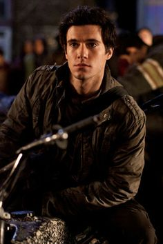 @Angela guzman....he looks like Eric!!!!!!!