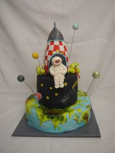 """""""space"""" cake"""