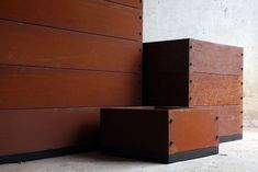 Garden Boxes and Raised Gardens, Garden Seats and Planter boxes. Skemah makes really useful garden products. Now it makes ability boxes. Building Planter Boxes, Garden Planter Boxes, Courtyard Design, Garden Design, Landscape Design, Grand Designs Live, Garden Retaining Wall, Metal Cladding, Steel Fire Pit