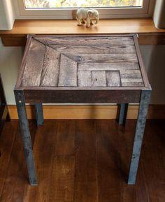 Repurposed Pallet Wood and Metal Side Table door woodandwiredesigns
