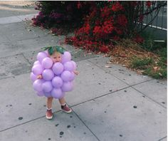 If you're looking for creative DIY Halloween Costumes For Kids, this list is perfect. Get easy and quick ideas for DIY Kids Halloween costumes. Halloween Kids, Happy Halloween, Halloween Party, Homemade Halloween, Baby Halloween Costumes For Girls, Funny Baby Costumes, Halloween Halloween, Homemade Kids Costumes, Vintage Halloween