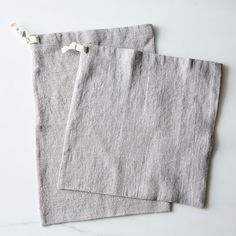 Linen Bread Bags from Food52 I wonder how hard it would be to make an upcycle version of these from old linen cloth.