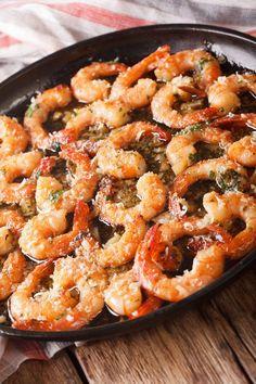 Best Shrimp Scampi Recipe - a beautiful mixture of butter, garlic and love. Best Shrimp Scampi Recipe, Shrimp Recipes, Fish Recipes, Whole Food Recipes, Cooking Recipes, Healthy Recipes, Recipies, Dinner Recipes, Appetizers