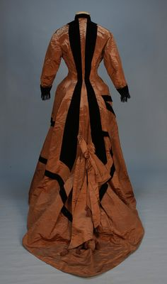 Day dress, ca 1878 (back view -- front and side views also at link)