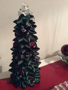 Olohuoneen joulu, TSI, DIY, nauhakuusi,
