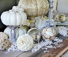 How to use neutrals in holiday decorating.  Thistlewood Farms