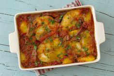 Cinco Quartos de Laranja: Pescada no forno com tomate e presunto Recipies, Easy Meals, Food And Drink, Ethnic Recipes, Portugal, Fish Dishes, Baking Recipes, Tasty Food Recipes, Snacks