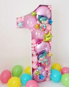 a mermaid balloon mosaic using foils! Barbie Birthday, Mermaid Birthday, Unicorn Birthday Parties, Diy Birthday, Birthday Balloons, Confetti Balloons, Balloon Garland, Balloon Decorations, Birthday Decorations