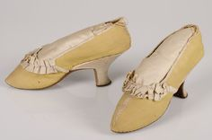 Pair of women's shoes, embroidered silk, cotton, leather, made c. 1780-1789. Collection Centraal Museum Utrecht, The Netherlands. Inv. no. 5312. Copyright: Centraal Museum.