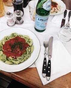 More of that green nourishing pasta Tandoori Chicken, Switzerland, Spaghetti, Pasta, Healthy, Ethnic Recipes, Green, Food, Essen