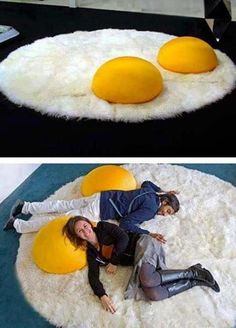 21 Cool Rugs That Put The Spotlight On The Floor - Plushies Cool Inventions, Cool Rugs, Carpet Design, Dream Rooms, Unique Furniture, Funky Furniture, Furniture Vintage, Poufs, My Room